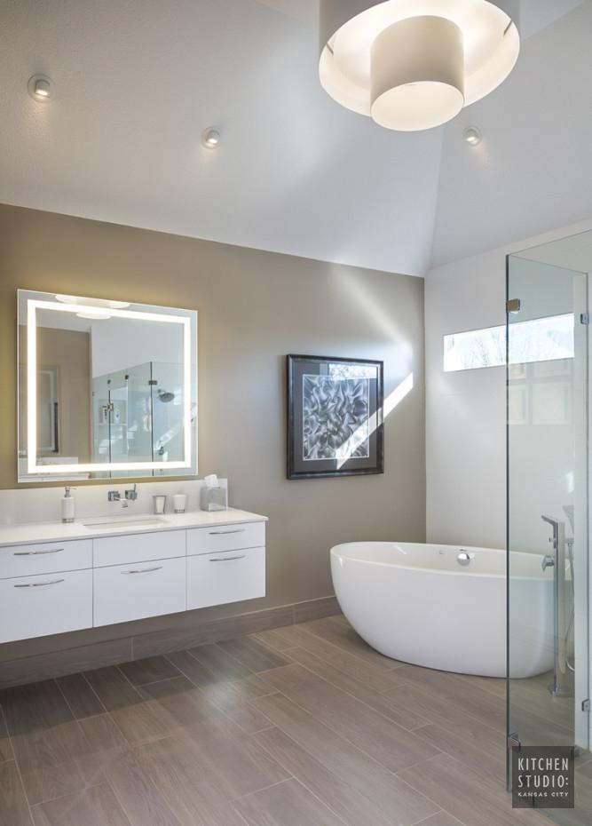 Contemporary bathroom remodeling